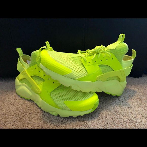 0153cea0826 NIKE AIR HUARACHE ULTRA BREATHE MENS 833147-700. M 5a8f7234077b977f41ecb3c1